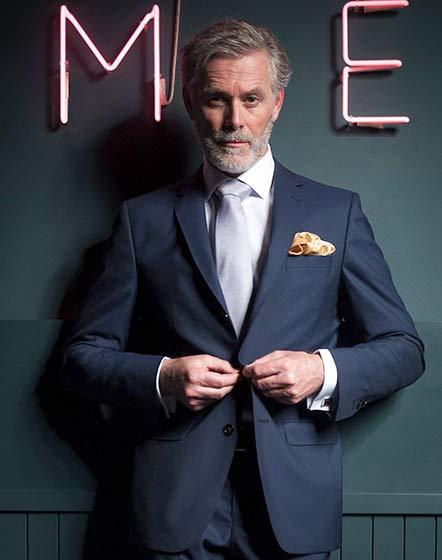 3 Knopf Anzug